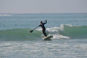 Paddle-gonflable-surf-sur-vague