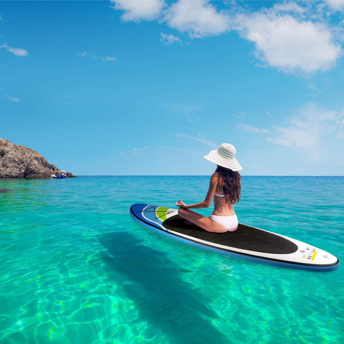 Paddle Brast meditation ocean