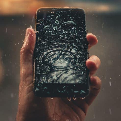 main tien portable pluie